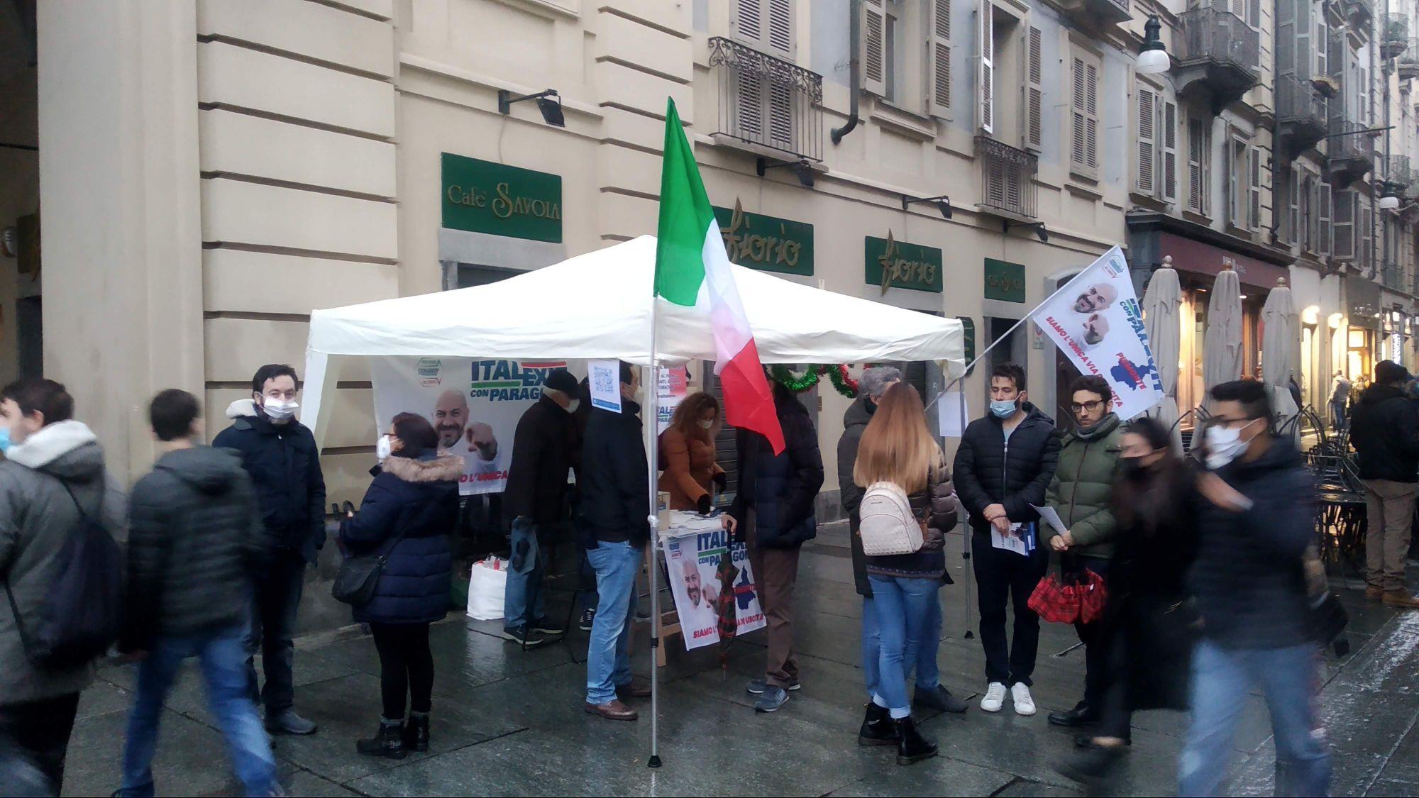 Gazebo informativo ITALEXIT CON PARAGONE